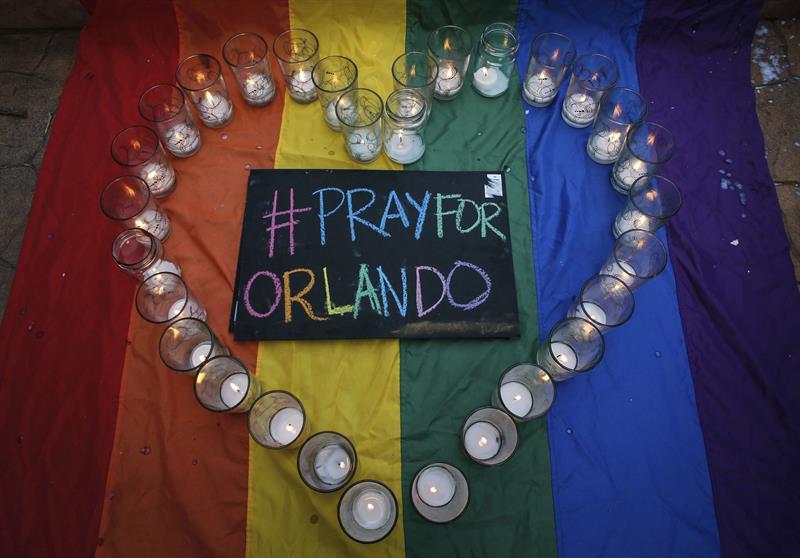 Comunidad gay latina, muy dolida pero lista para defender sus derechos