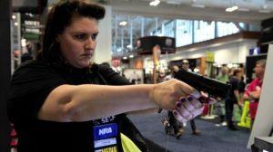 Senado, bajo fuertes divisiones, derrota cuatro enmiendas para el control de armas