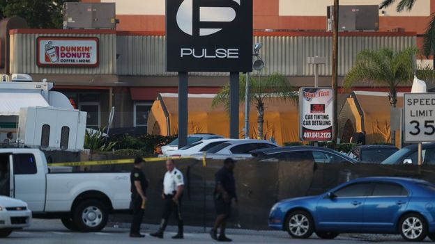 "Sobrevivientes de masacre en Orlando se enfrentan a Univision por episodio en ""Crónicas de Sábado"""