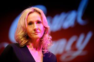 Así respondió J.K. Rowling a la amenaza de muerte que recibió en Twitter