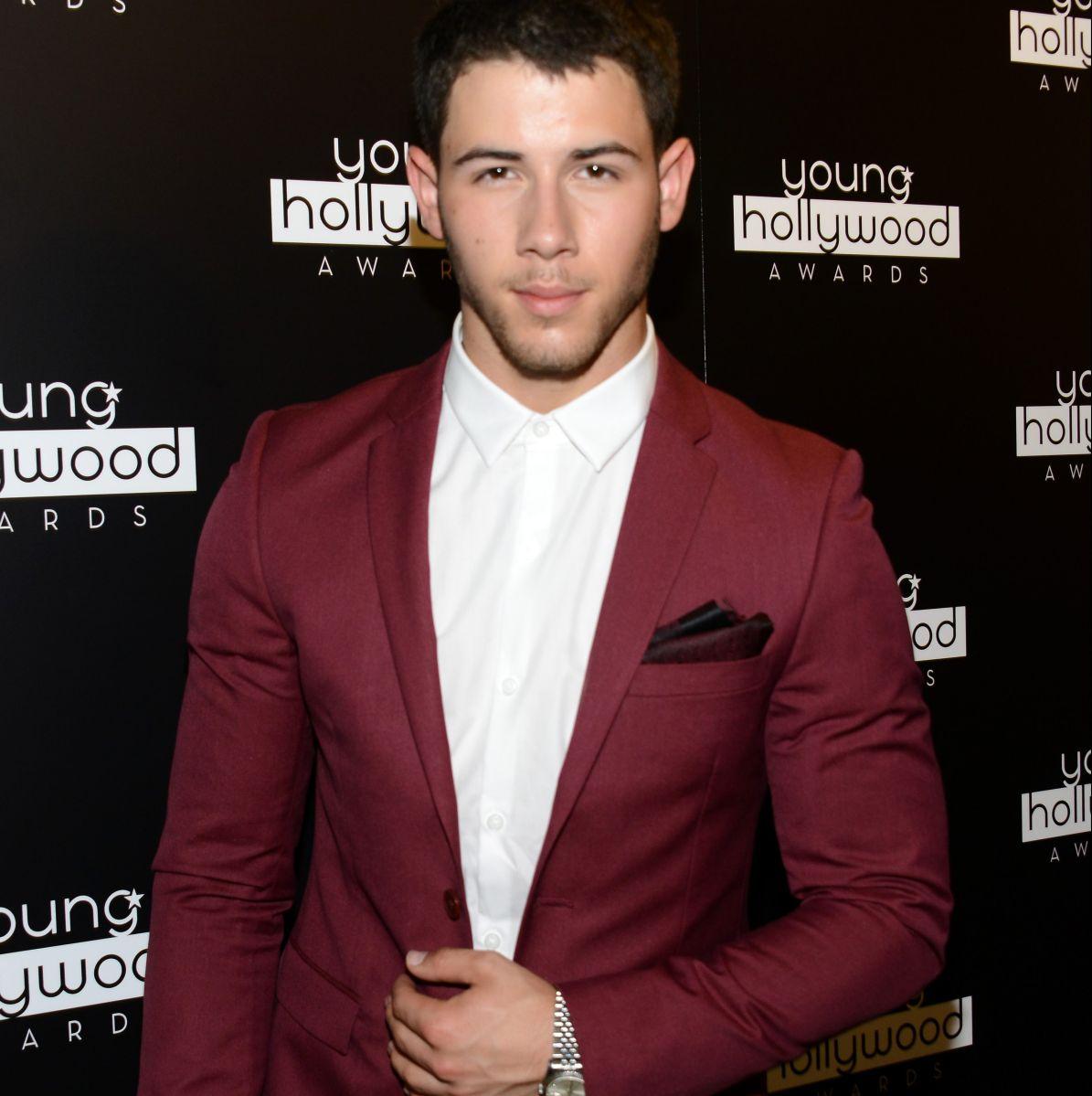 Nick Jonas se accidenta y tuvo que ser trasladado de emergencia a un hospital