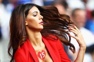 Emerge de las tribunas, la 'novia' de la Eurocopa 2016