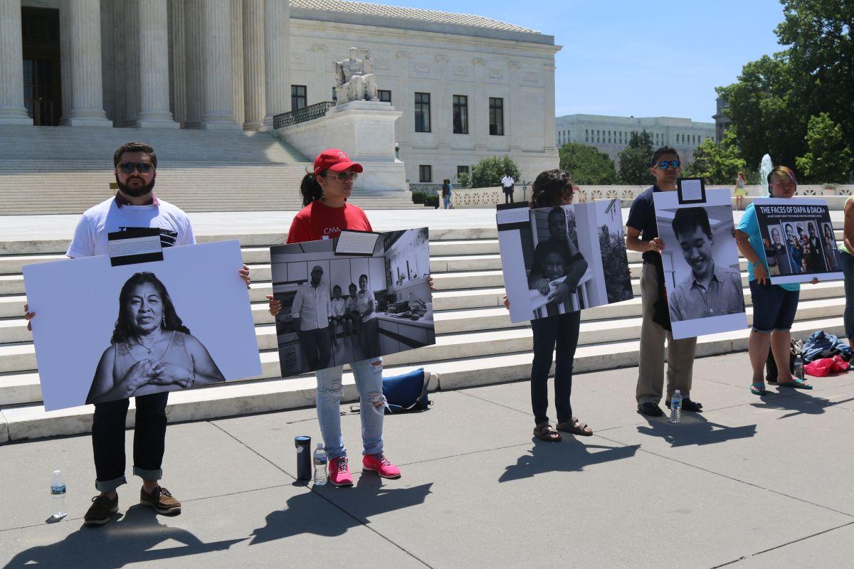 """Inmigrantes piden al Tribunal Supremo: """"No olviden estos rostros"""""""