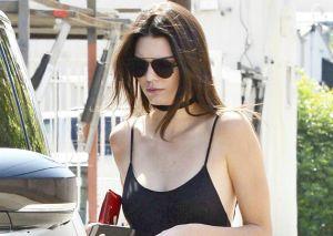 Kendall Jenner pillada con este look tan sexy
