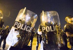 Al menos tres policías muertos tras tiroteo en Baton Rouge