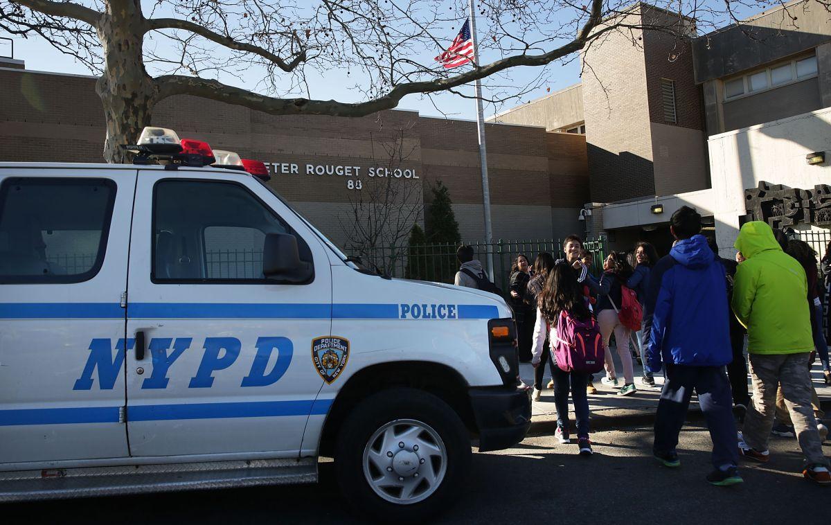 Más de 1,600 cuchillos hallados en escuelas de Nueva York; cifra en alza por acoso entre alumnos
