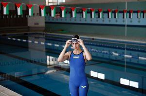 Contra todo pronóstico, nadadora palestina llegará a los Juegos Olímpicos