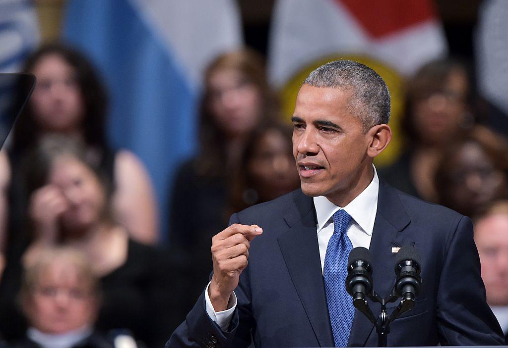 El presidente Barack Obama asistió a un acto religioso en memoria de los cinco policías muertos en una emboscada por un francotirador en Dallas.
