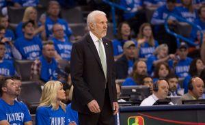 Gregg Popovich emocionado y con la voz entrecortada homenajeó a Tim Duncan