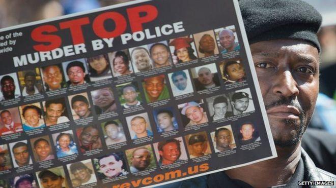 Dos hombres negros murieron esta semana en manos de la policía en Estados Unidos.