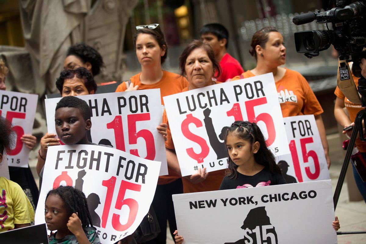 ¿Qué pasaría si el sueldo mínimo federal fuera de $15?