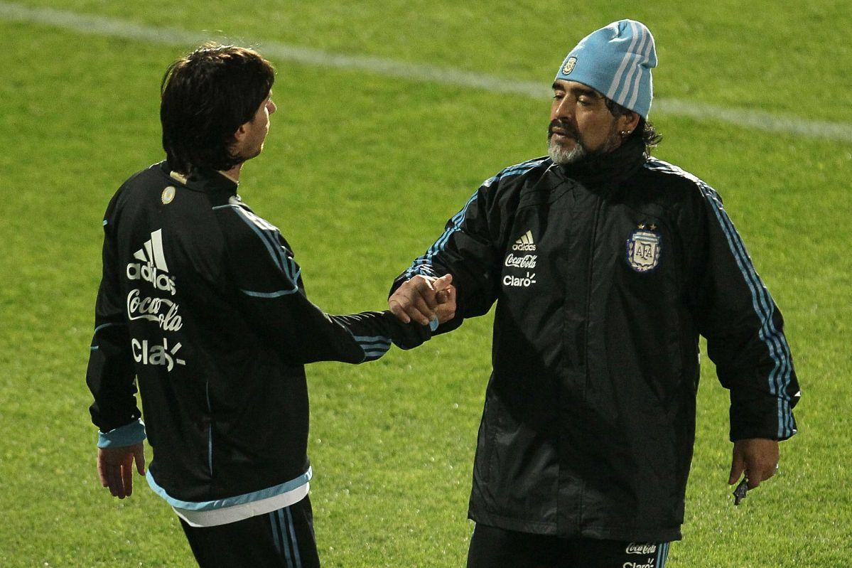 """Maradona defendió a Messi y arremetió contra la directiva del Barcelona: """"No lo trataron como se merecía"""""""