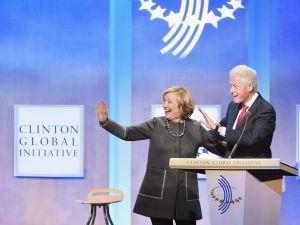 FBI reabre investigación contra Fundación Clinton