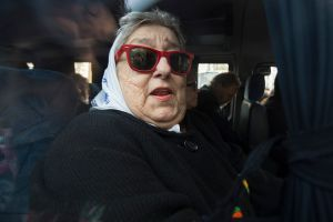 Argentina: Ordenan la captura de la presidenta de las Madres de la Plaza de Mayo