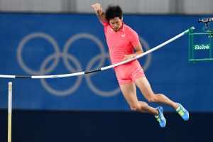 """El japonés que se molestó por los reportes de que """"su pene le impidió avanzar"""" en salto con garrocha"""