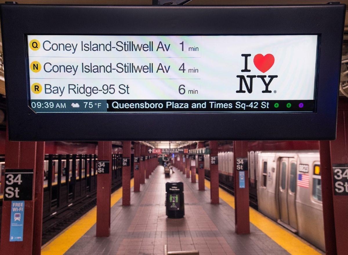 La MTA inicia pruebas de pantallas LCD en estaciones del subway
