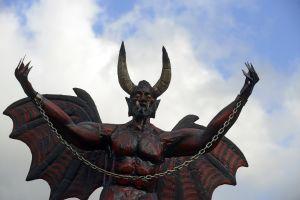 Quieren enseñar culto a Satán en escuelas públicas de NYC