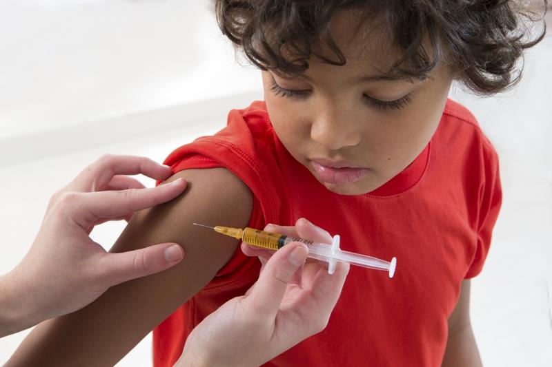 Su hijo sufría gripe, la madre se negó a medicarle, el niño murió