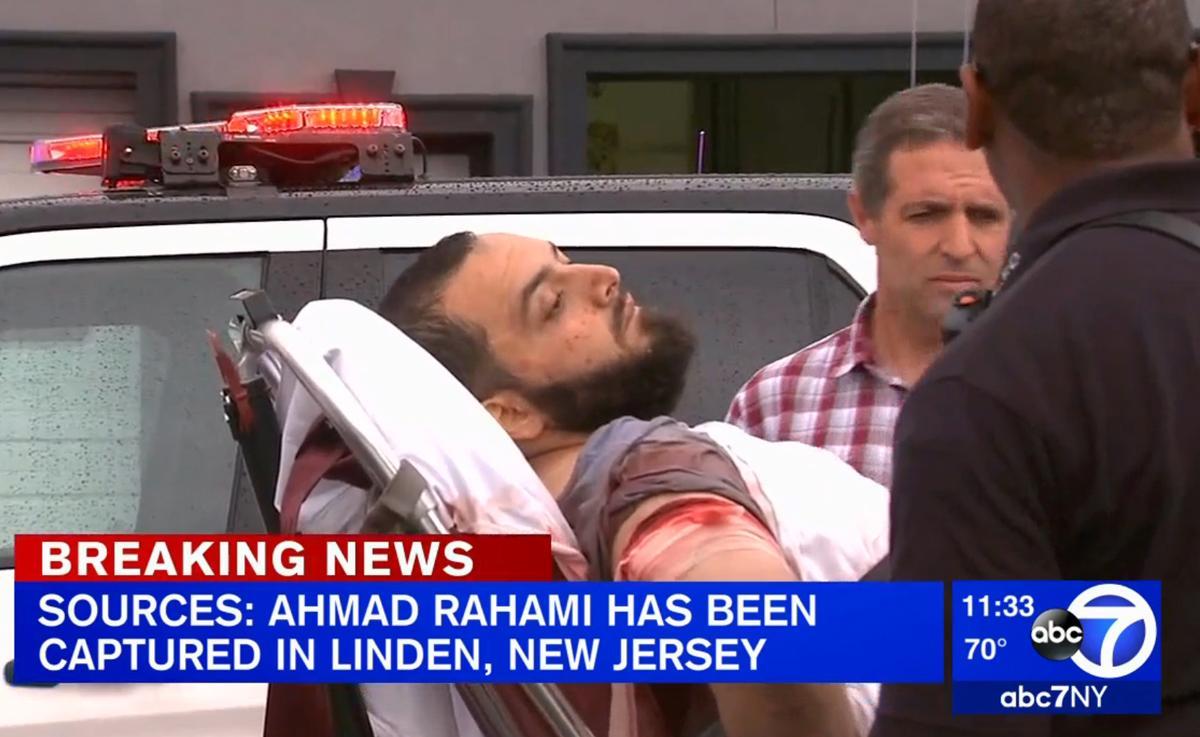 El sospecho fue retirado en camilla con evidentes señales de haber sido herido.