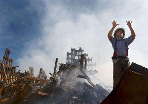 Proponen residencia permanente para indocumentados del 11-S