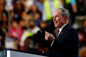Bloomberg estaría considerando a Hillary Clinton como vicepresidente; mientras De Blasio se alía a Sanders contra Trump