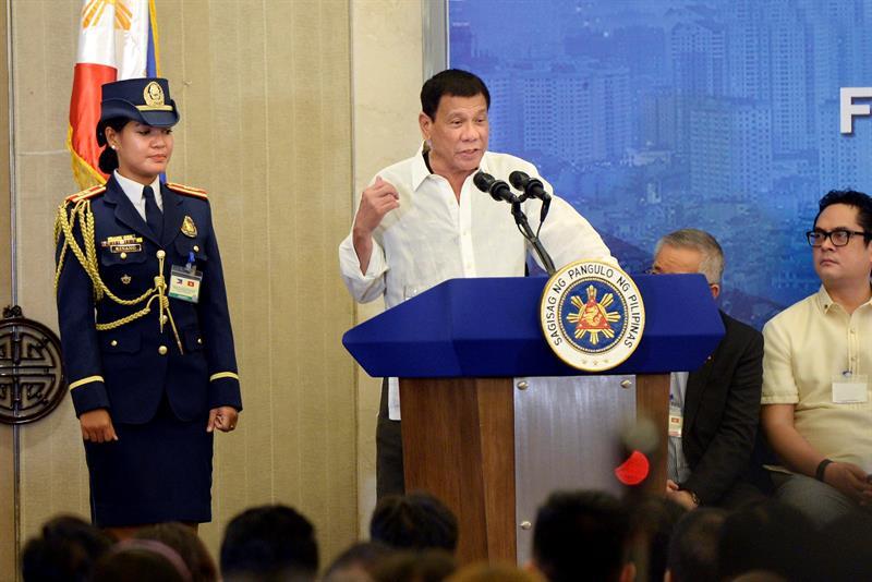 Esta no es la primera vez que Duterte ha reconocido haber matado gente.