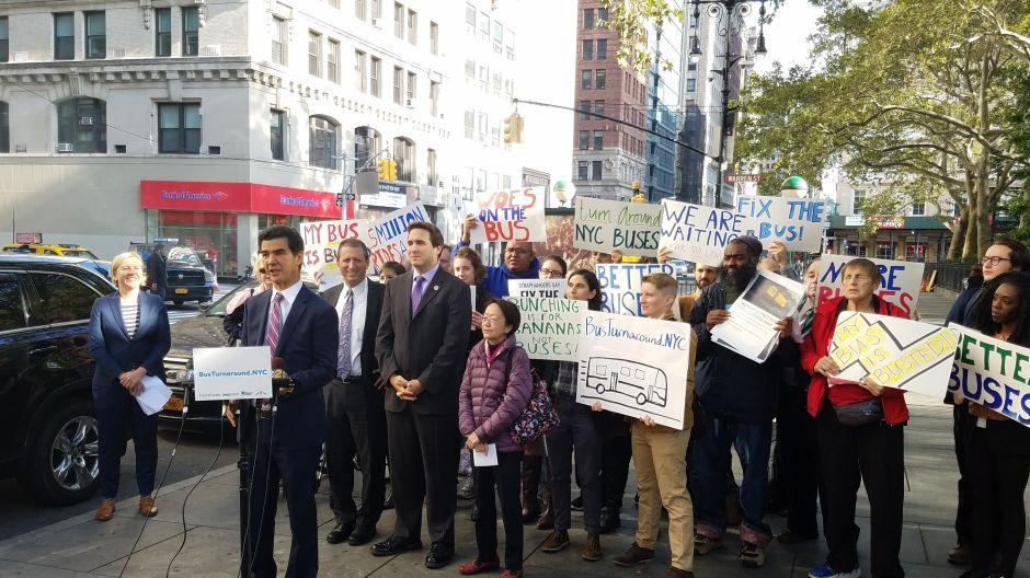 Concejo de Nueva York pide cuentas sobre mal servicio de autobuses