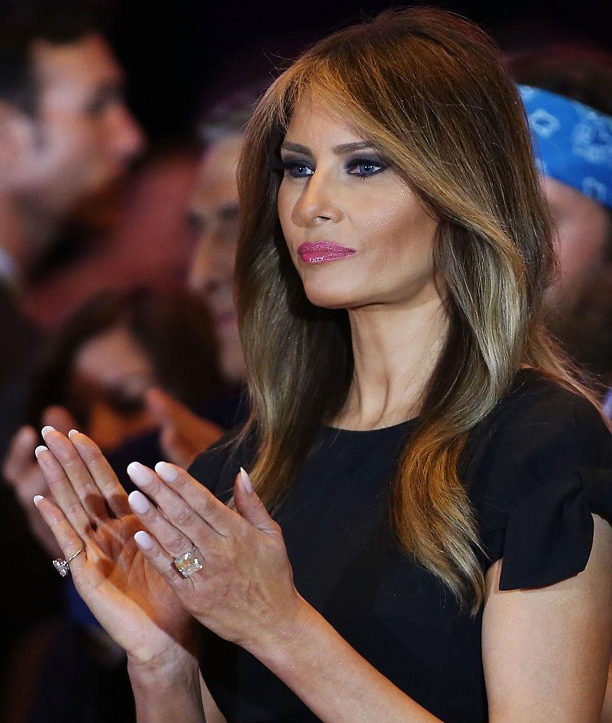 Esposa de Trump trabajó en Estados Unidos sin permiso legal