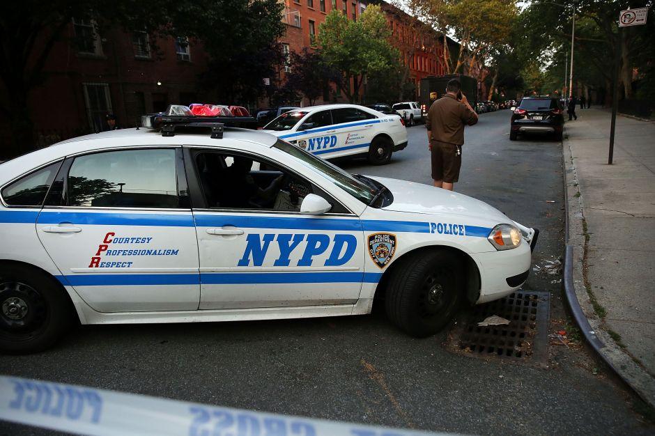 Policía latino enfrenta hasta 40 años de cárcel por extorsión y narcotráfico en Alto Manhattan