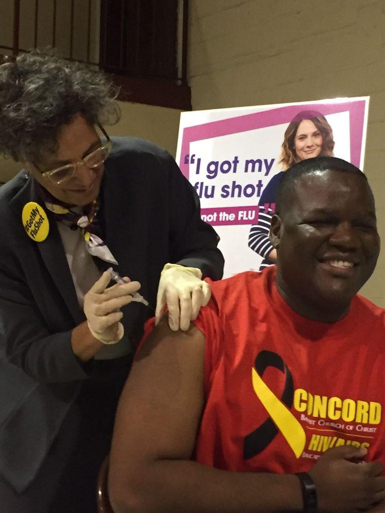 Urgen a neoyorquinos vacunarse contra el flu