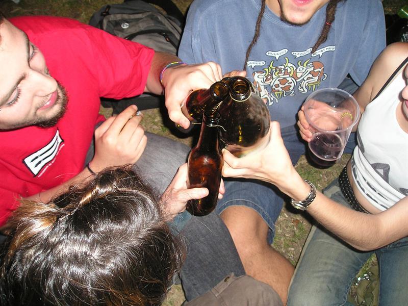 Piden a neoyorquinos precaución con el alcohol durante fiestas de Año Nuevo