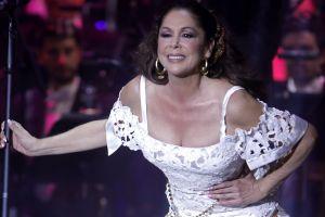 Isabel Pantoja dedica su vuelta a los escenarios a Juan Gabriel