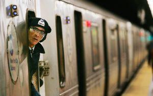 Video insólito: vagón del Metro viajó con la puerta abierta sobre el Puente Manhattan