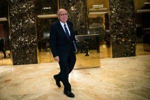 Giuliani reacciona a polémica de película Borat y amenaza a Biden con otro escándalo