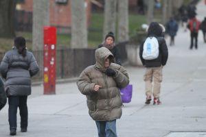 Ola de frío deja al menos tres muertos en fin de año en EEUU