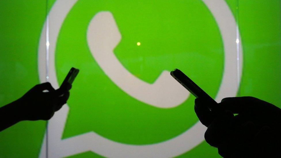 El truco de WhatsApp para cancelar el envío de fotos y videos equivocados