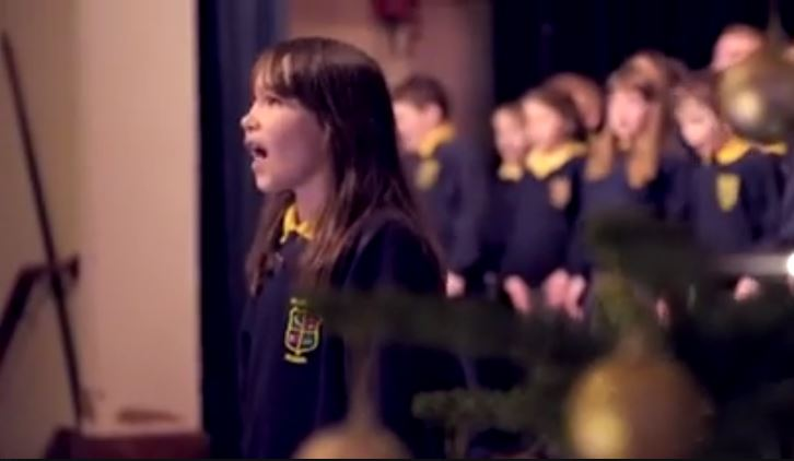 """Video viral: La niña con autismo que canta """"Aleluya"""" como un ángel"""