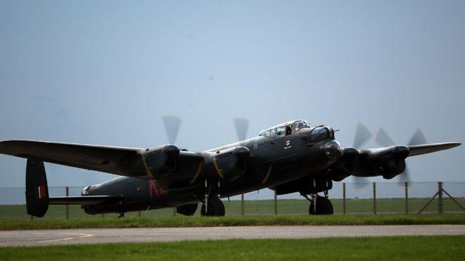Bombardero de la Real Fuerza Aérea: la masiva bomba en Augsburg ha sido identificada como británica.