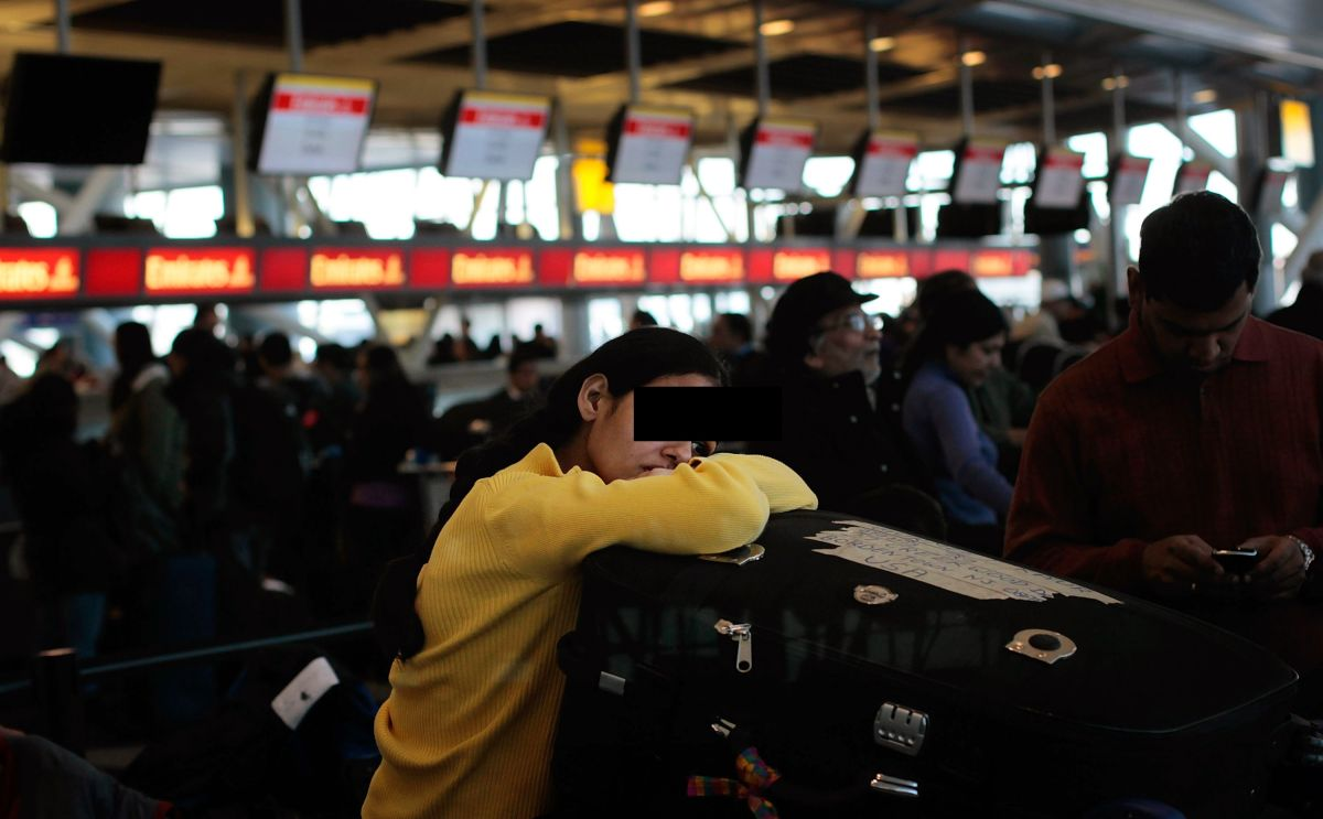 Más de 1,000 personas quedaron varadas en el aeropuerto JFK, en Queens.