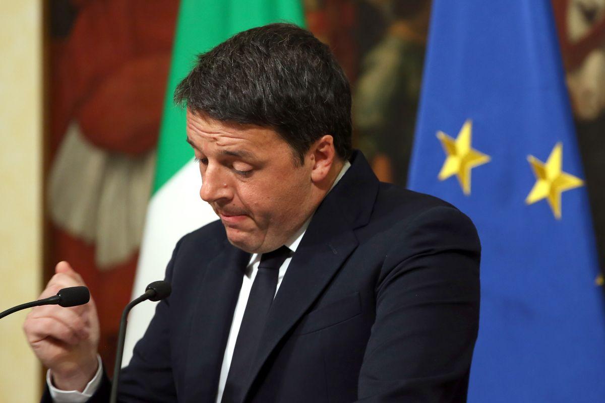 Matteo Renzi dio su discurso de dimisión tras los resultados del referéndum.