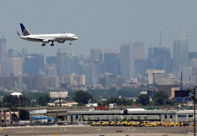 Aeropuertos de NYC los de peor desempeño en todo el país