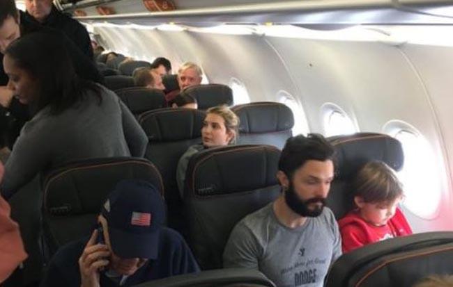 La aerolínea Jet Blue reaccionó al altercado.