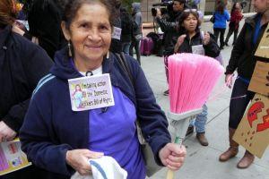 Presentan ley para proteger a las empleadas domésticas en EEUU
