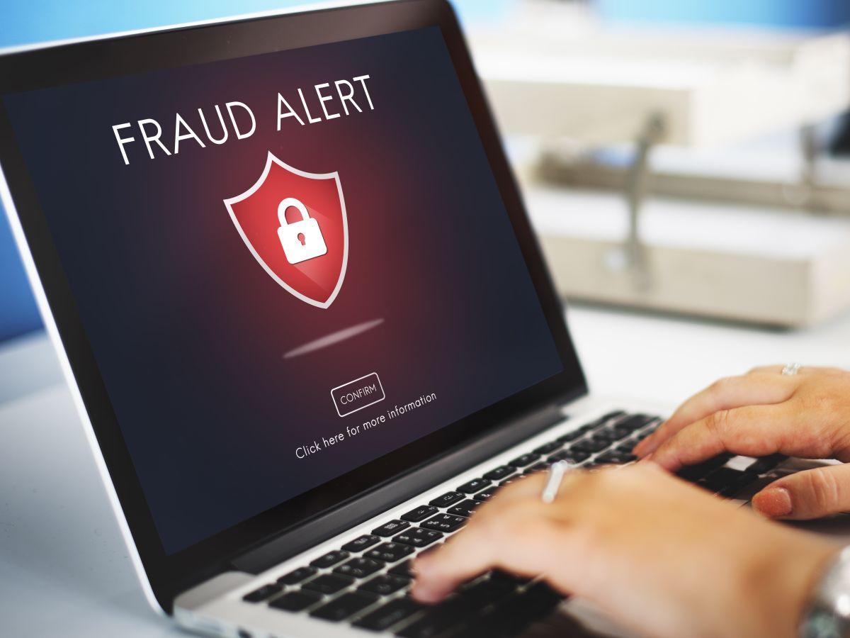 El IRS refueza sus alertas./Shutterstock