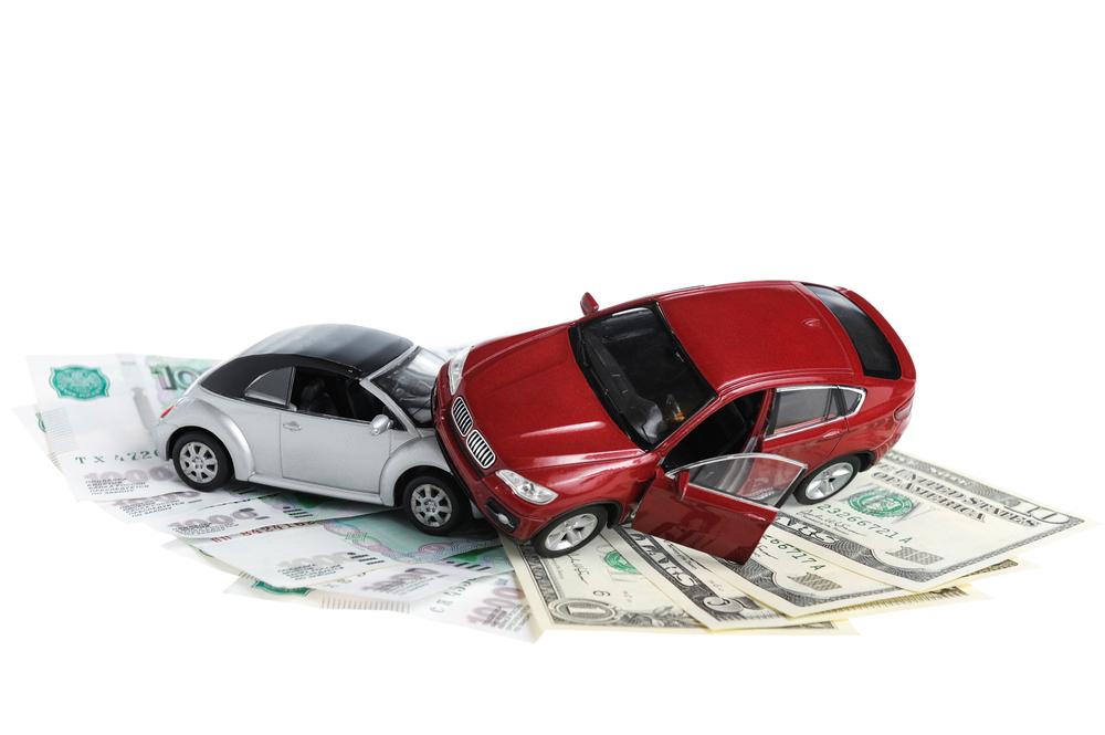 Los seguros de auto cuestan más a los que ganan menos