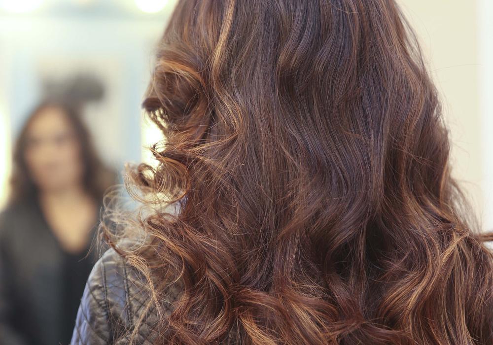 La modelo Wendy Santana luce la espectacular creación en su cabello.