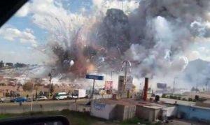 Video: Asciende a 29 cifra de muertos por explosión en mercado de cohetes en México