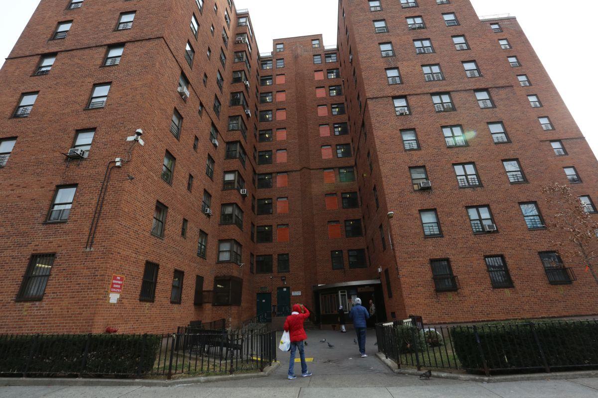 Irónicamente la alcaldía gasta en hoteles, mientras en la ciudad hay casi un cuarto de millón de apartamentos desocupados