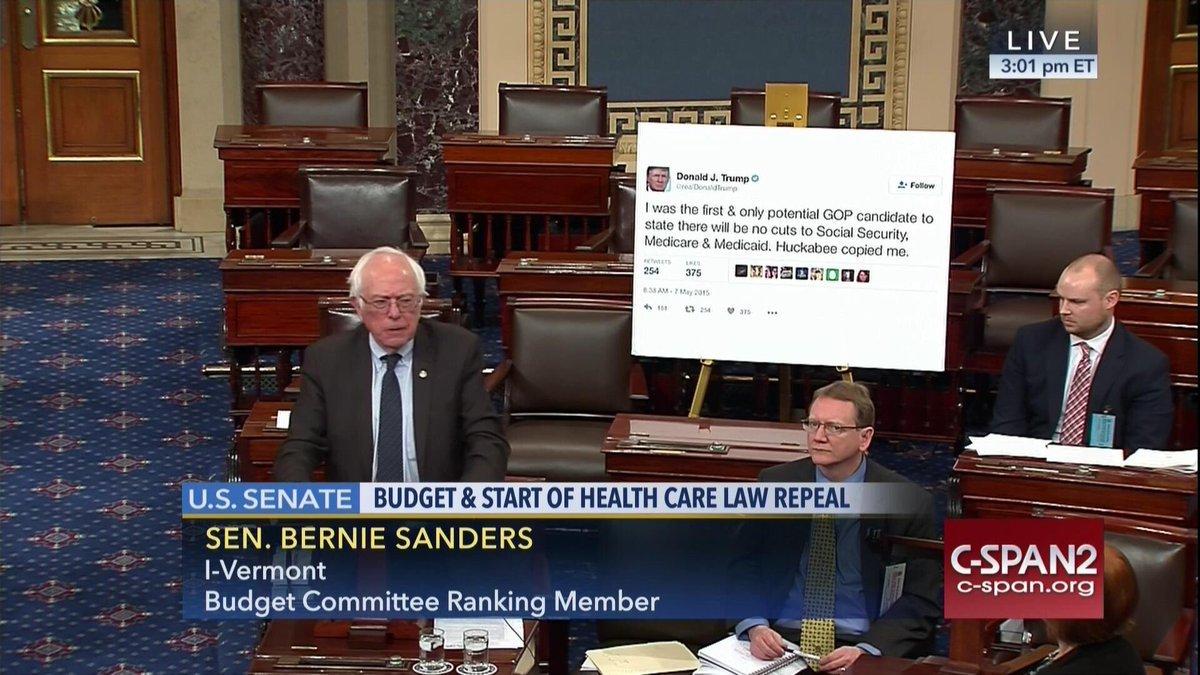 Bernie Sanders desata burlas en redes sociales por ¡un tuit!
