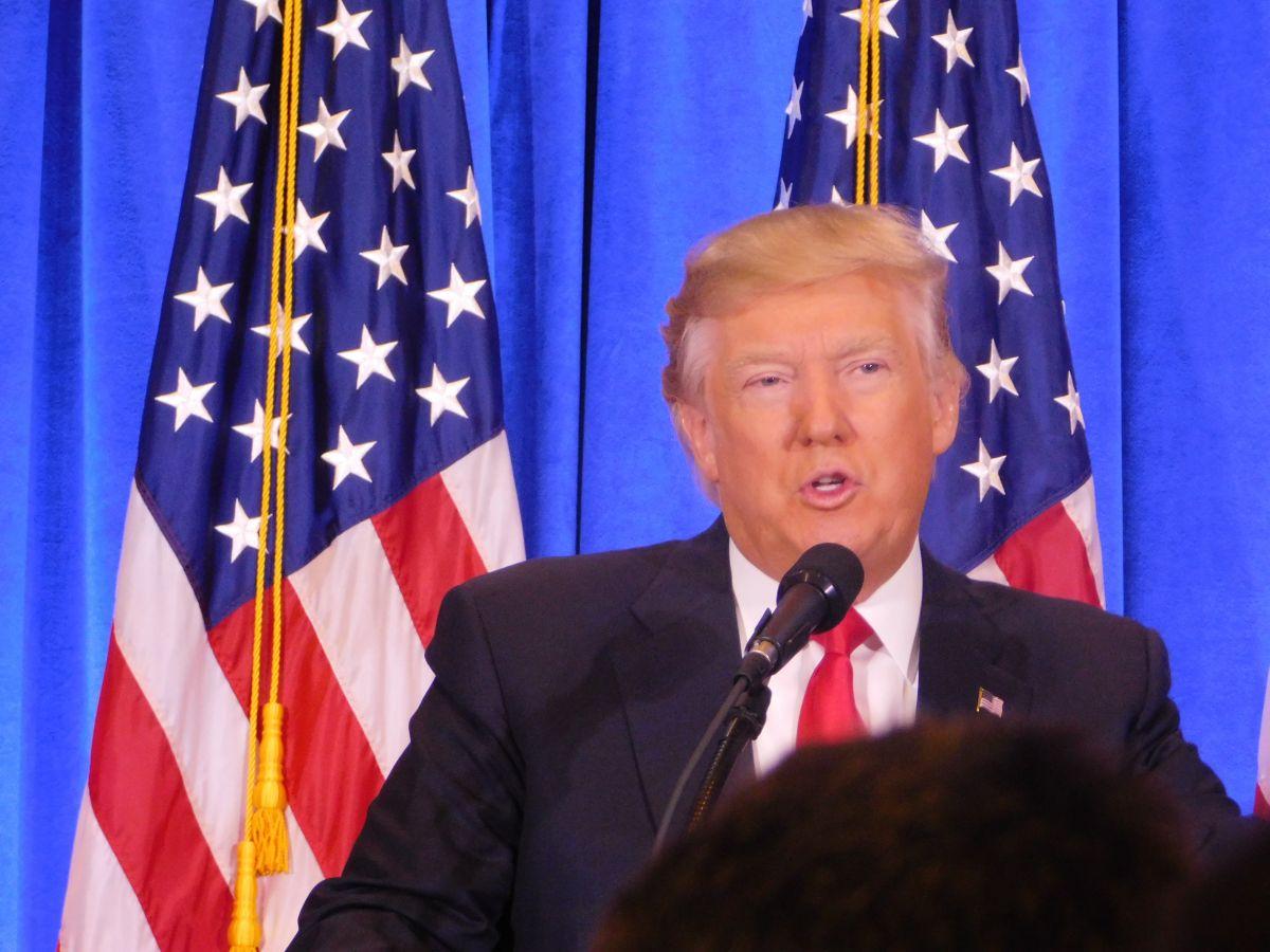 """Trump: """"El muro en México va… y pronto"""""""